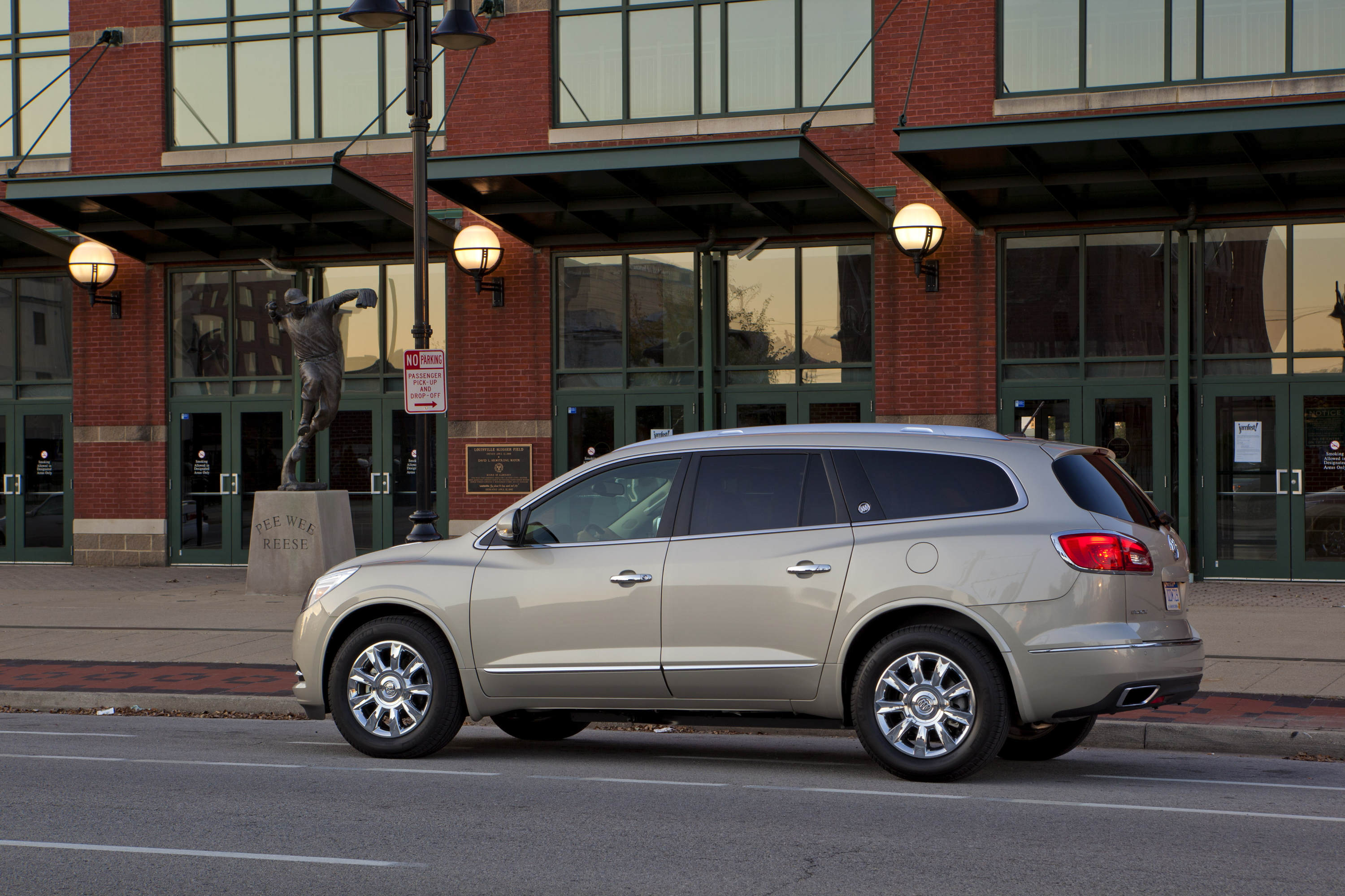 buick enclave picture car review