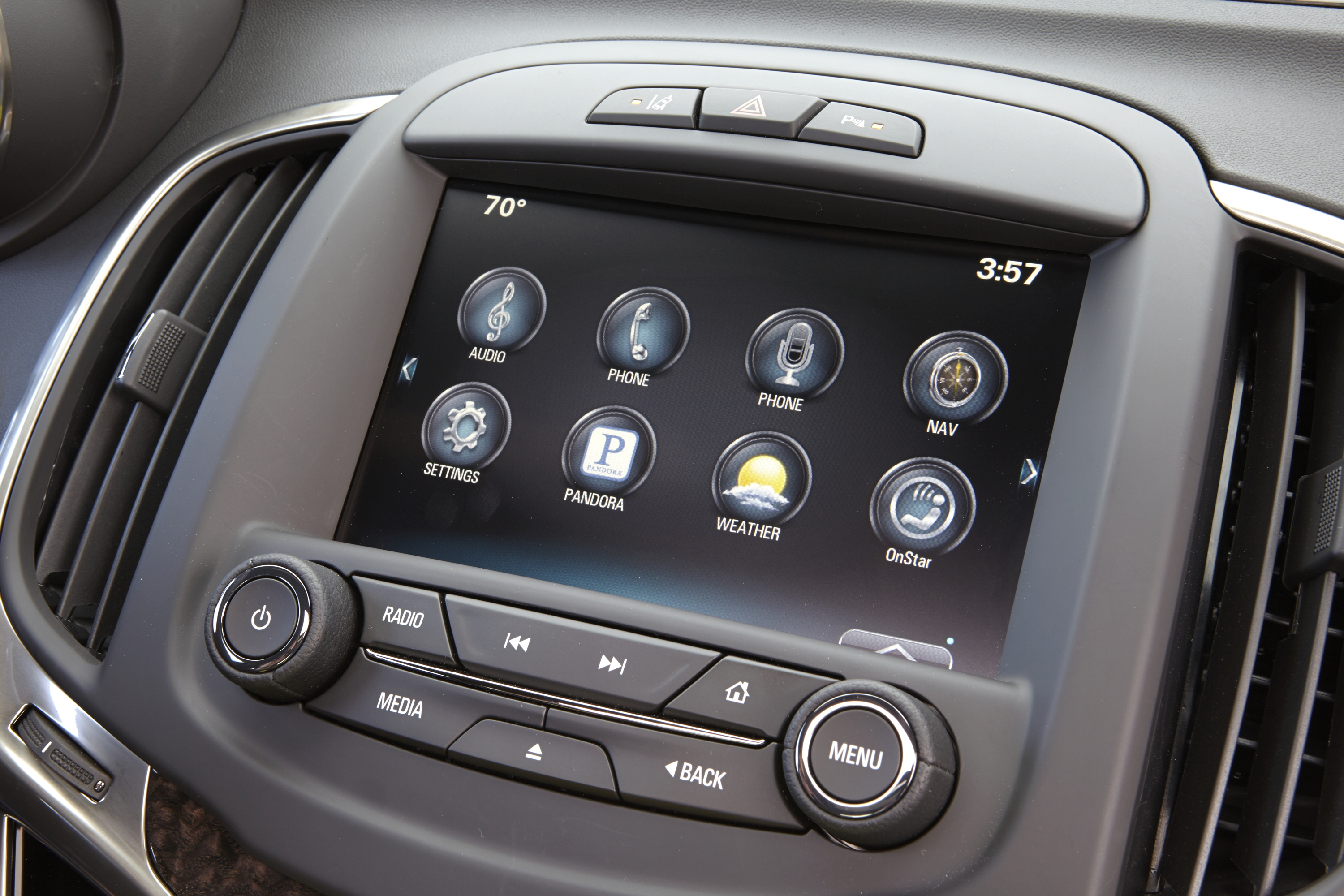 Buick LaCrosse: Audio Players
